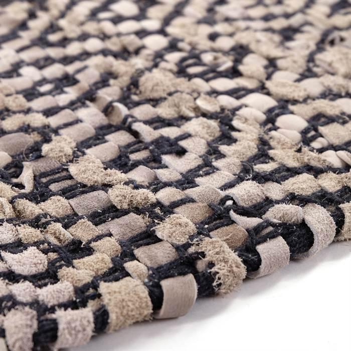 Teppich AMINA kommt im angesagten Baumwoll-Leder-Mix daher.